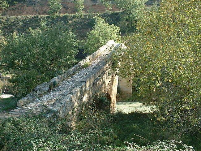 Puente en forme d'alebarde