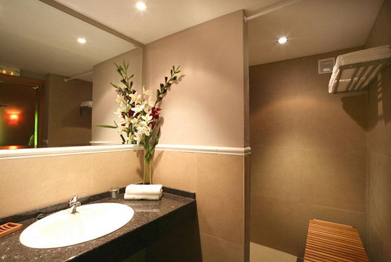 salle de bain de l'auberge albarda alquezar