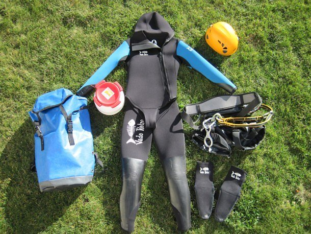 equipement-canyoning.jpg